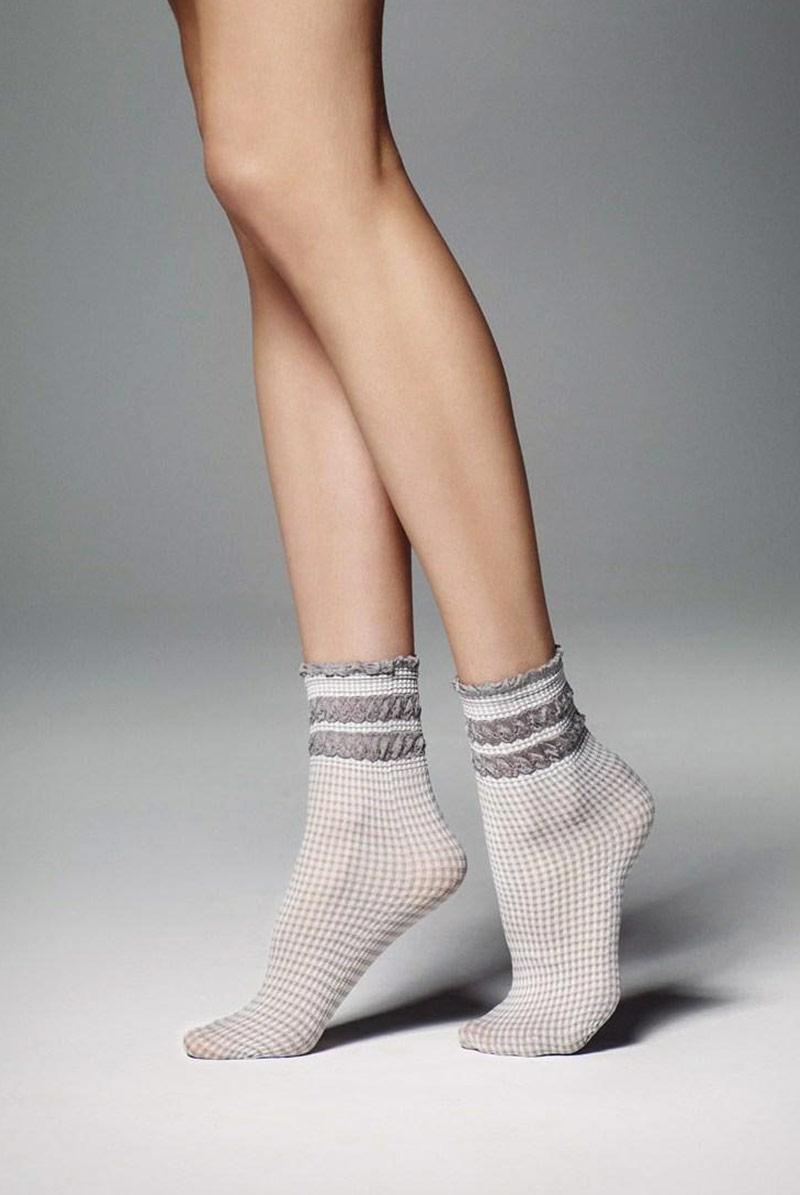 画像1: ショートストッキング(チェック柄・フリル・グレー×ホワイト)[LISETTA Socks argento]※2足までメール便対象【送料無料・即日発送】 (1)