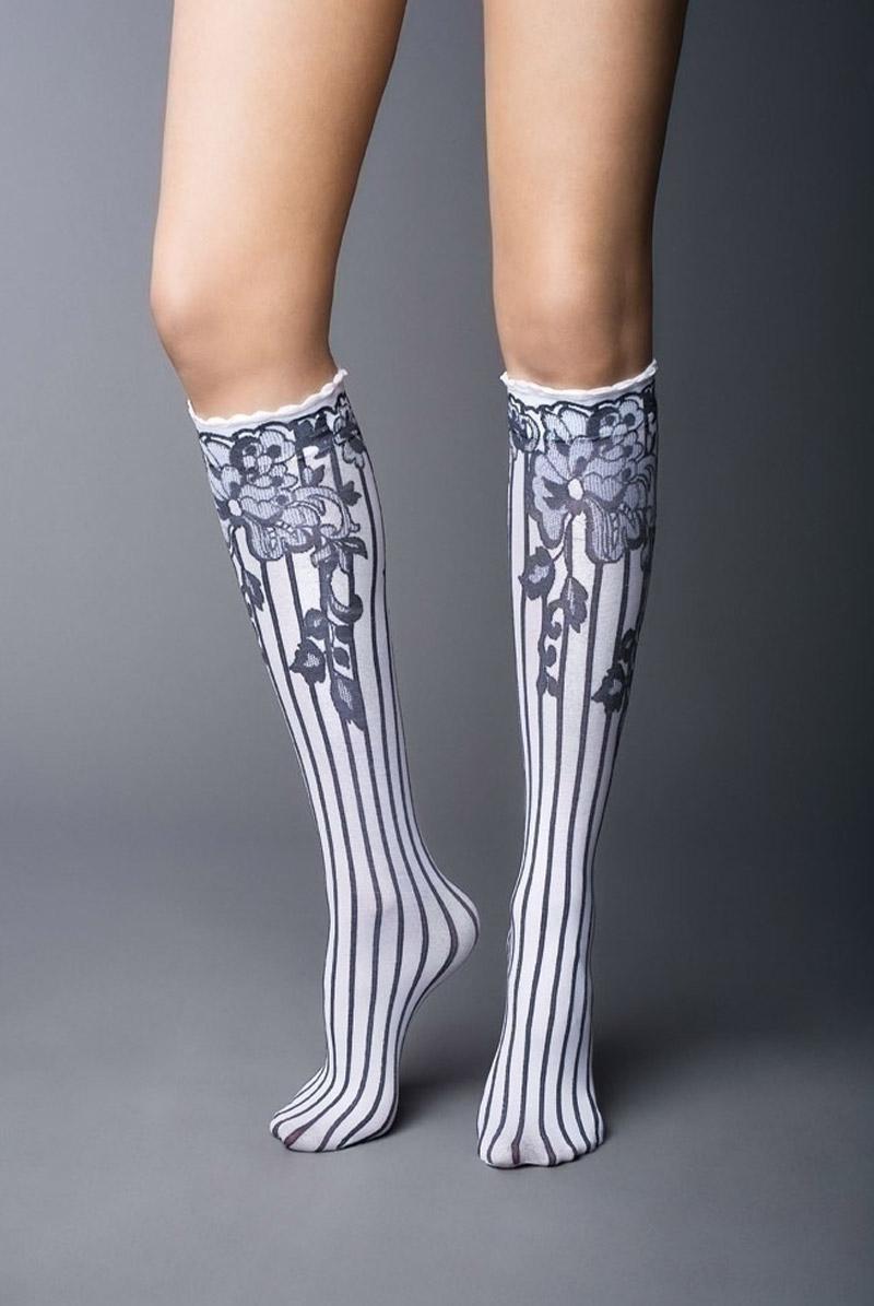 画像1: ハイソックス(花柄・ストライプ・ホワイト×ブラック)[YVONNE High-Socks bianco-nero]※2足までメール便対象【送料無料・即日発送】 (1)