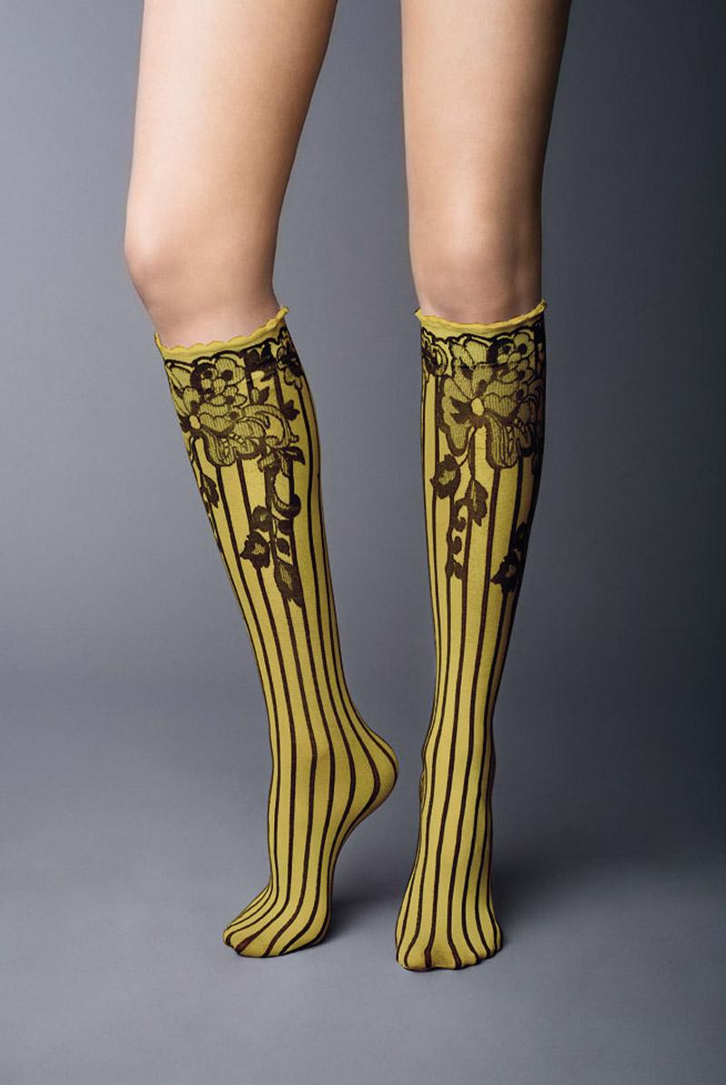 画像1: ハイソックス(花柄・ストライプ・イエロー×ブラック)[YVONNE High-Socks limone-nero]※2足までメール便対象【送料無料・即日発送】 (1)